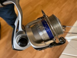 Fishing reels and rods  too daiwa  reales total of four real