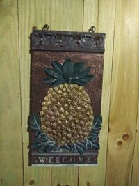 Pineapple WELCOME sign 36x18""