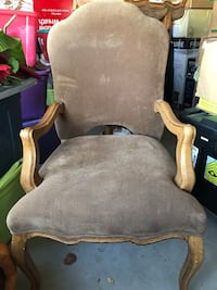 Heavy wooden frame brown padded armchairs Horizon City, 79928