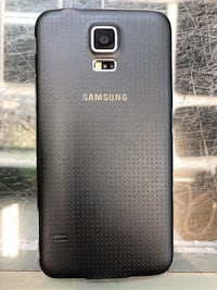 Used Samsung Galaxy S5 16 GB black coloured Toronto, M9V 2X6