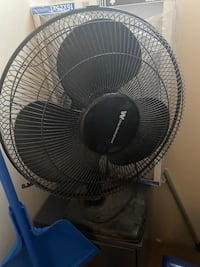 Black Fan (Negotiable). Edmonton, T5B 2Z7