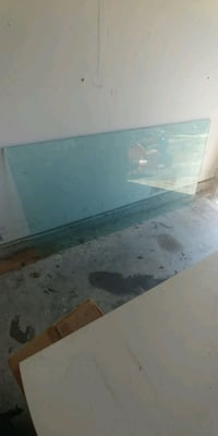 Solid Glass Table top Round Rock, 78665