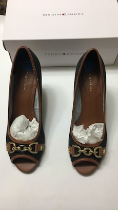 brown-and-blue Tommy Hilfiger leather open toe heeled shoes
