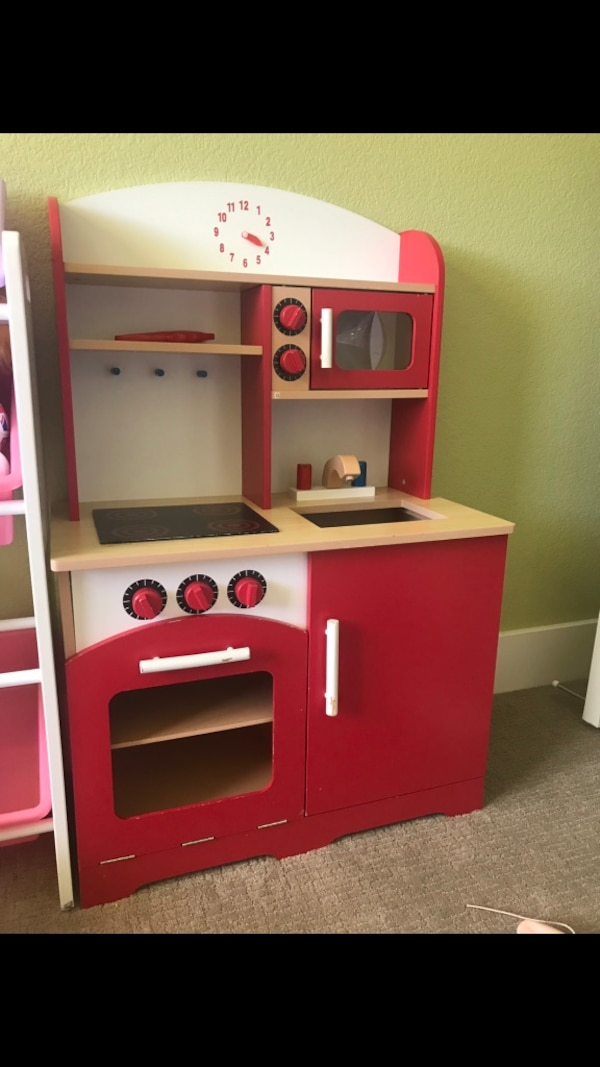 Wooden kitchen playset
