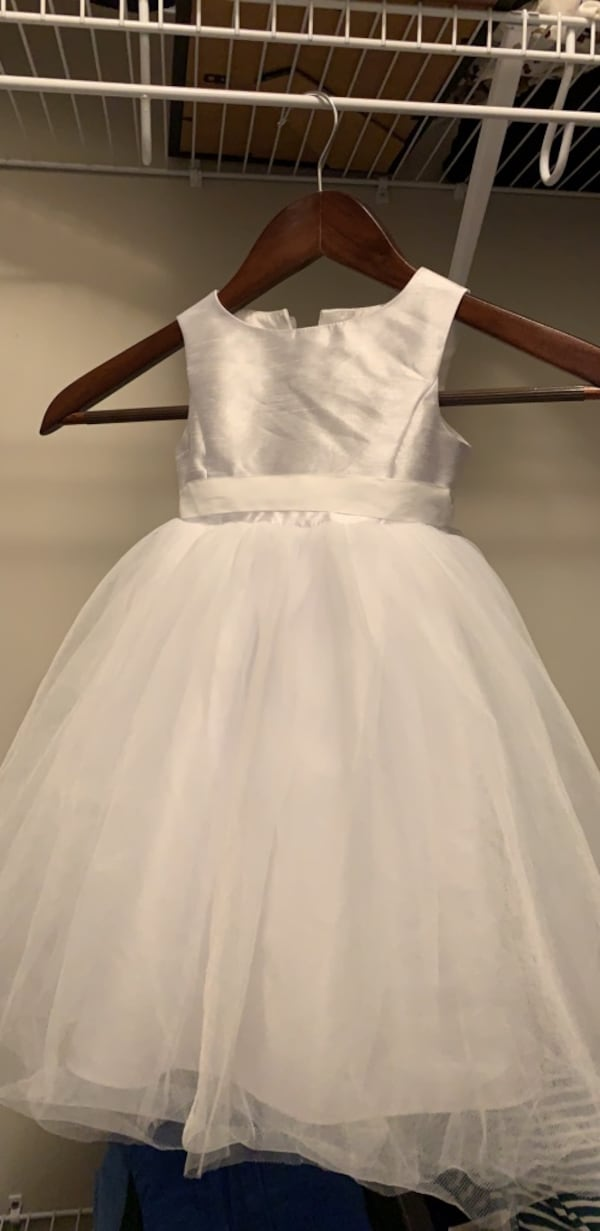 David's Bridal Flower Girl Dress (2T) 446264bf-f825-4189-a944-e8f098f1d870