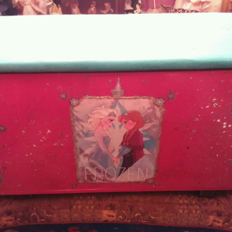 """ Frozen "" Large Toy Box for your little princess great gift"