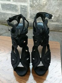 pair of black leather open-toe heeled sandals Newmarket, L3Y 7R9