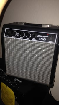 black and gray Starcaster 15G guitar amplifier San Diego, 92128