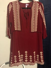Red and white long-sleeved dress size L Lafayette, 70501