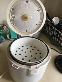 white and black pressure cooker Newark, 19713