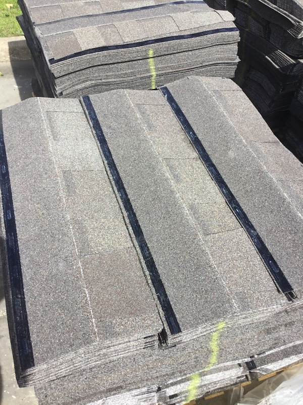 Used 42 00 A Square 30 Year Owens Corning Unwrapped Roofing