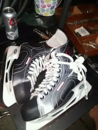 Easton hockey skates size 9