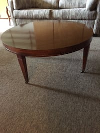 Round brown wooden coffee table Olympia, 98512