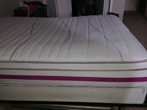 Double Bed And Box Spring And Frame ced607bd-501f-4cb9-9b5b-2ba5307ec36a