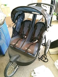 Baby trend Expedition 2 seater stroller  Las Vegas, 89128