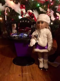 Beautiful light up vanity and ice skating doll set* only 2 days left until Christmas  Zillah, 98953