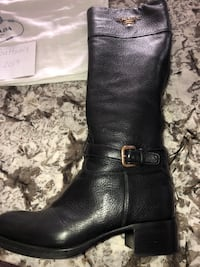 pair of black leather boots Whitby, L1M 1C2