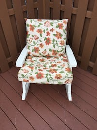 Outdoor Wood Rocker with Pad SOUTHHOLLAND