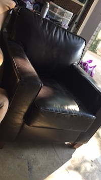 Brown leather padded sofa chair Nashville, 37076