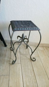 Metal side table or plant stand North Redington Beach, 33708