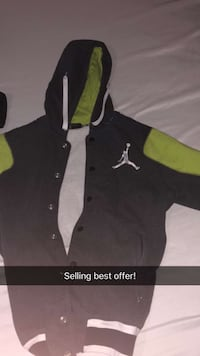 black and green Nike pullover hoodie Butler, 73625