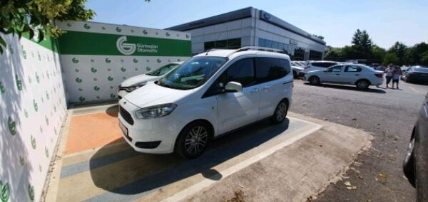 2018 Ford transit courier 7
