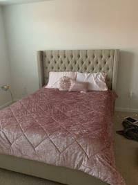Queen upholstered bed and Mattress Miami, 33196