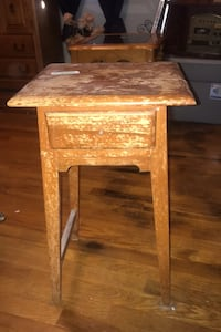 Mid century small table with drawer Omaha, 68104
