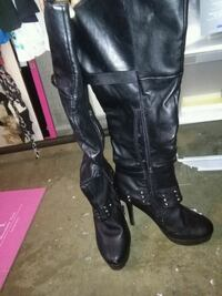 Beautiful size 10 Boots Edmonton, T5A 2G5