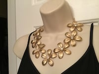 Beautiful Flower Necklace Chesapeake, 23320