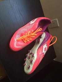pink white and purple low top cleats Toronto, M2N 2L7