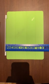 Magnetic iPad screen cover