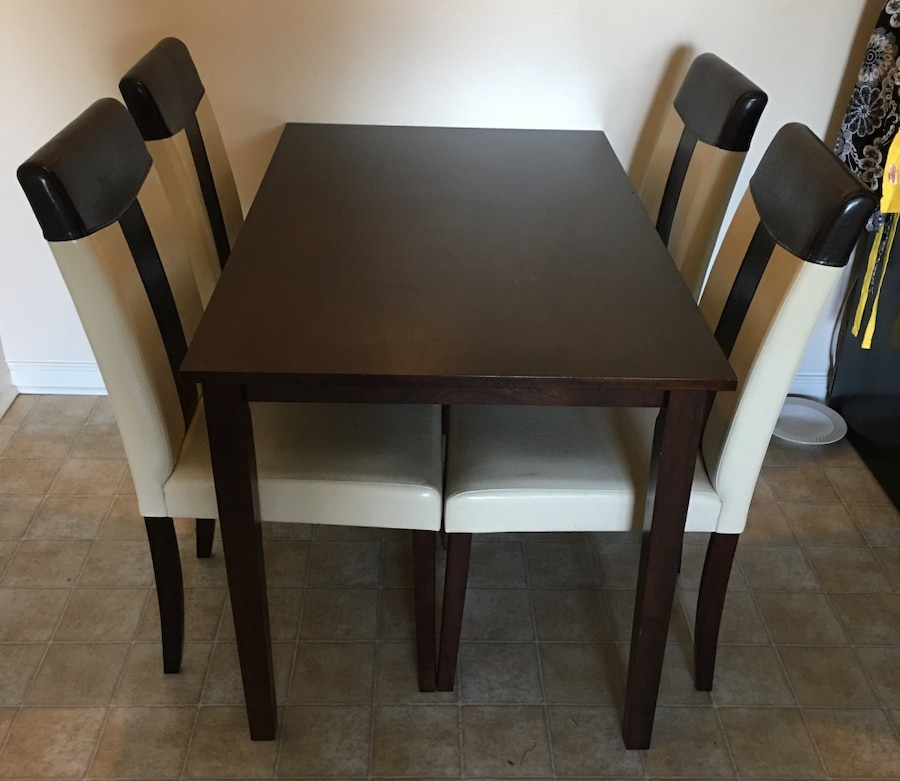 Tiffany dining room table and chairs in jacksonville letgo for Tiffany d dining room