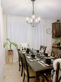 Dinner Table and chairs (6)