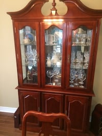 Dining room hutch ,table and chairs Barrie, L4N 0Y9