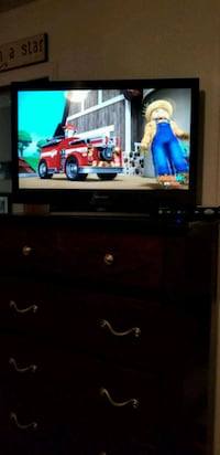 "27"" Flat screen HD TV -2yrs old St Clair Shores, 48082"