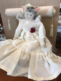Pretty Victorian Kitty in Satin & Lace Gainesville, 20155