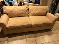 Good comfy couch  Port Chester, 10573