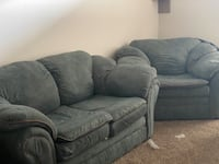 Hunter Green Loveseat and Chair price negotiable  Woodbridge, 22191