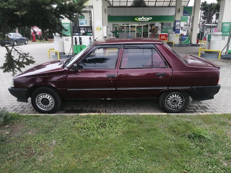 2021 Renault 94 12bef3d6-5cce-4987-b445-2434a38d727c