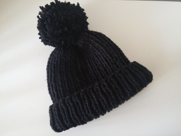 NEW Handmade Pompom Hat black S