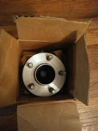 Chrysler 300 Front hub and bearing  Baltimore, 21215