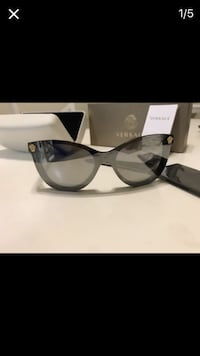 Versace sunglasses and box Germantown, 20874