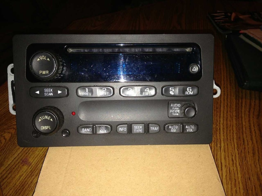 Used 2004 Chevy Silverado Factory Stereo In South Elgin