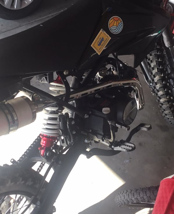 125 cc Dirtbike Are allowed to test ride  b28967e0-c1f3-4196-8855-46270992a780