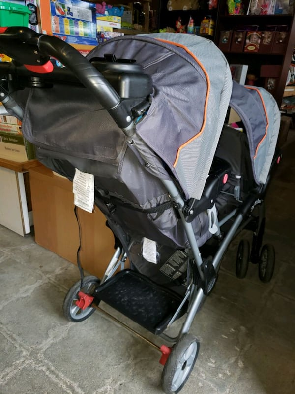 double and sit and stand stroller @ clic klak used f5ed3be9-747a-44f2-bcca-fe9d7ca705ea