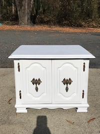 Side table / nightstand Charlotte, 28216