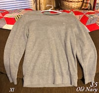 gray crew-neck sweater Bowling Green, 42104