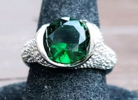 Sterling silver cz and emerald round cut ring Baltimore, 21224