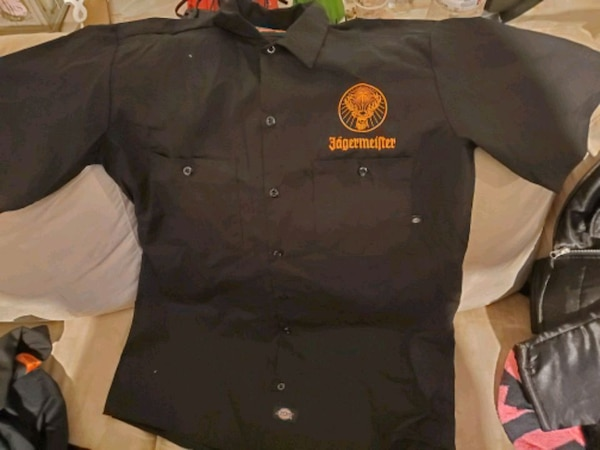 Dickies workshirt with jager emblems d0f5893d-63c0-4432-ac73-7294def7d1f6